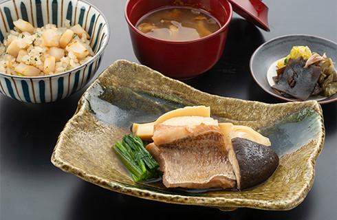 日本航空ファーストクラスお食事