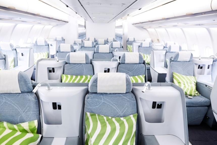 フィンランド航空最新a330-300ビジネスクラスキャビン