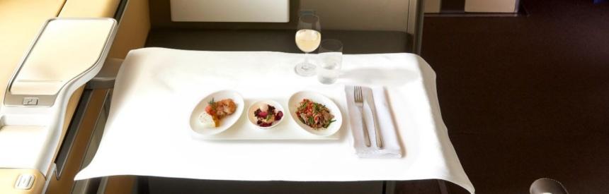 ルフトハンザドイツ航空ファーストクラスお食事