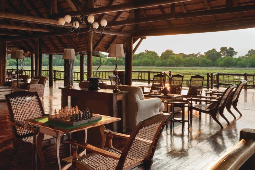 オープンなラウンジ:Belmond Safaris, Khwai River Lodge, Okavango, Botswana.