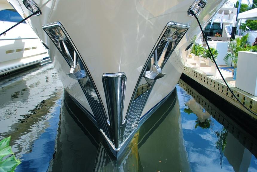 ラグジュアリーボートヨット
