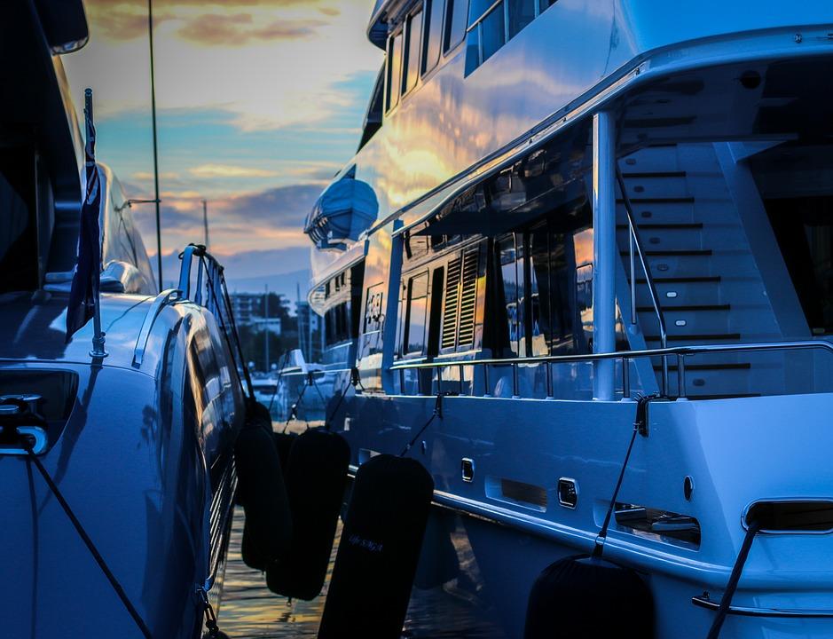 スタビライザー,安定化装置,船酔い,揺れないヨット,ピッチング防止,ローリング防止