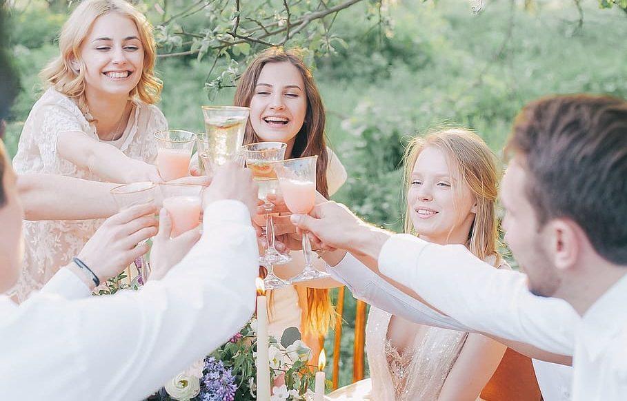 ヨット仲間,乾杯,宴会,パーティー