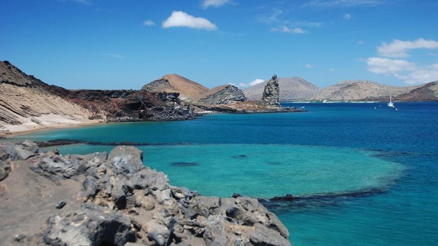 オーダーメイドヨットチャーター,ガラパゴス諸島へのモーターヨット、ヨットチャーターの事なら名古屋のヨット専門ブローカー|アツラエ
