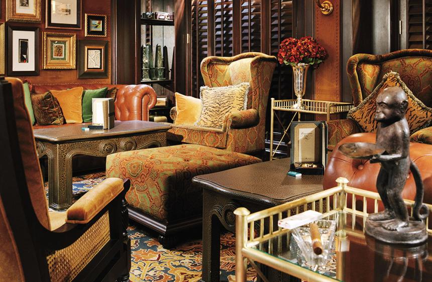 コノシュアクラブ 高級感溢れるインテリアに囲まれ、ブランデーや葉巻を楽しむ贅沢なひとときを堪能できるシガーバー