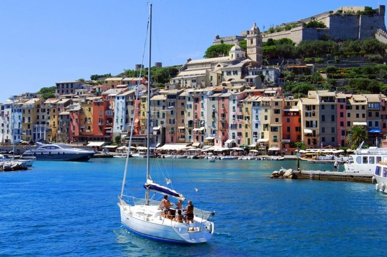 2021年5月30日:コートベルメイユを超えて地中海クルーズ8日間(バルセロナ~モナコ)|クリスタルシンフォニー:クリスタルクルーズ