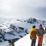 Amangani, USA - Activities, Skiers with view of Cody Bowl at JHMR